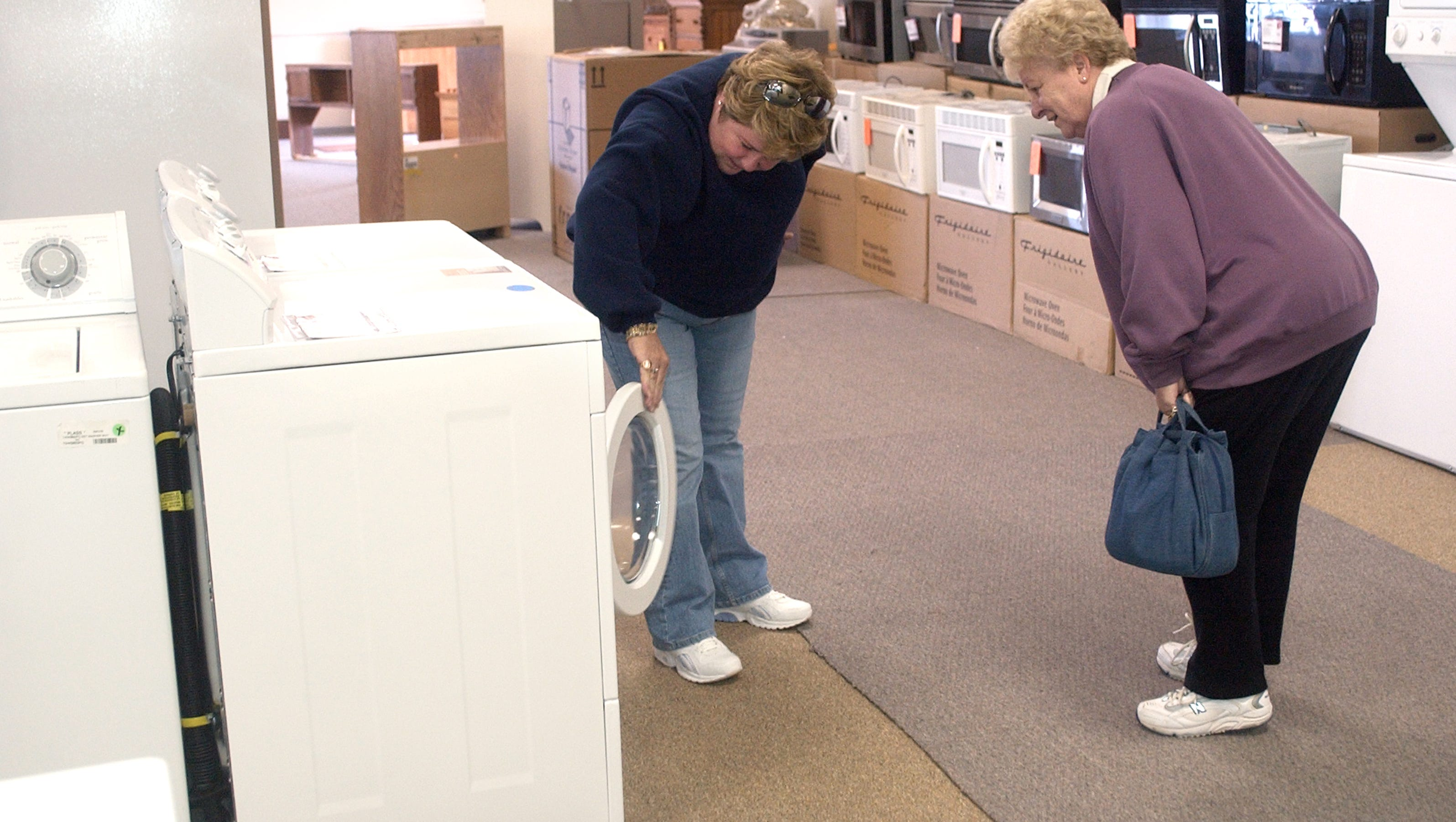 Furniture And Appliance Outlet Store To Close
