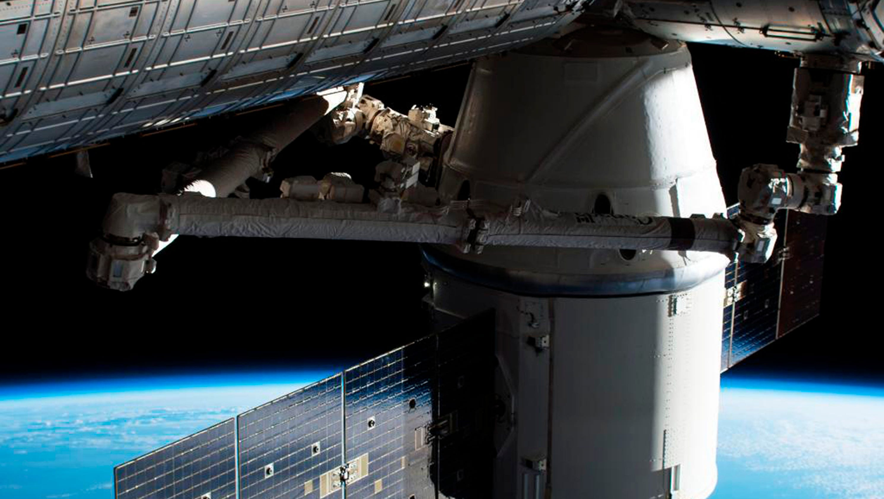 Spacex dragon pro second amendment protests and more for Space station usa