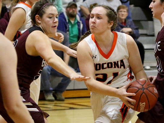 Nocona's Averee Kleinhans drives to the basket against