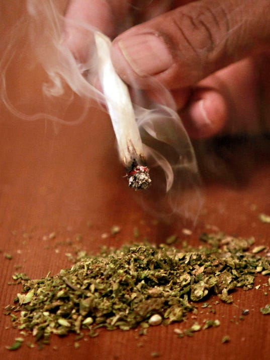 D06 Marijuana smoke 25
