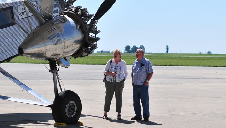 1928 plane entices aviation enthusiasts for a look and a ride