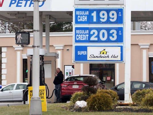 AP GAS BELOW TWO DOLLARS A USA NJ