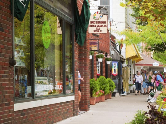 Weekend trippers to Saugatuck, located on the coast