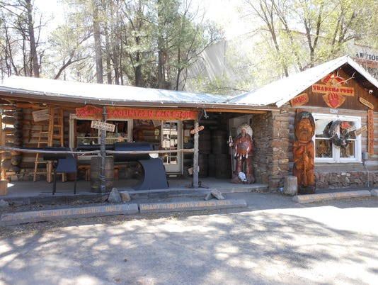 Thieving vandals hit trading post