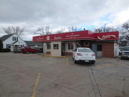 Smitty's has served breaded pork tenderloins to the south side of Des Moines since 1967.