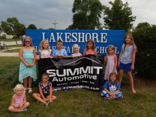 636083388543916689-Summit-Press-Picture---Lakeshore.jpg