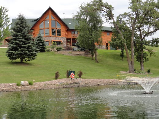 Cabins In Iowa 10 Places To Rent For Outdoors Views Pools