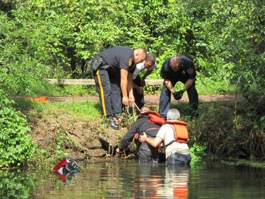 636408263648544911-Franklin-water-rescue.JPG