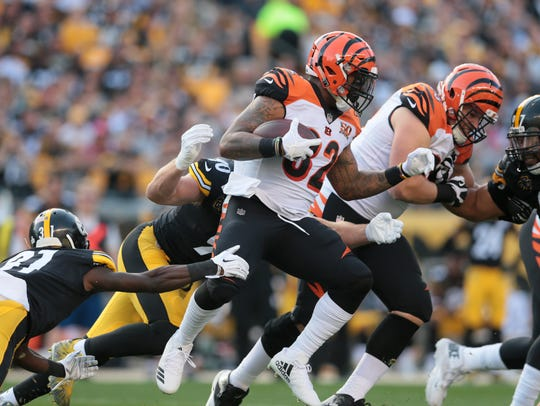 Cincinnati Bengals running back Jeremy Hill (32) carries