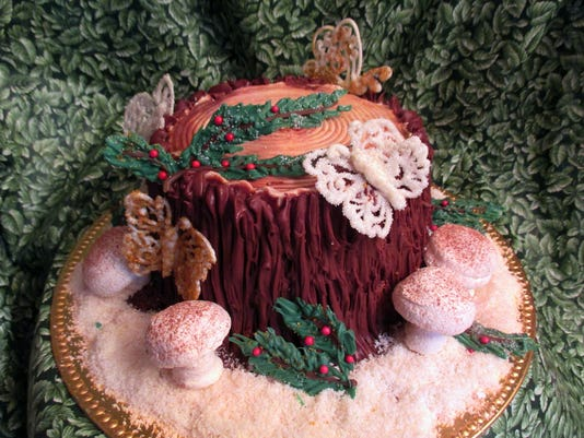 636477445440966439-2017-ENCHANTED-FOREST-CHRISTMAS-CAKE.jpg