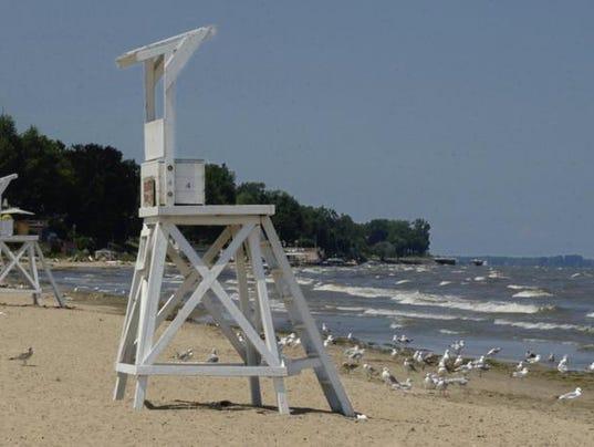 beachclosed-algeaatontariobeachpark.jpg