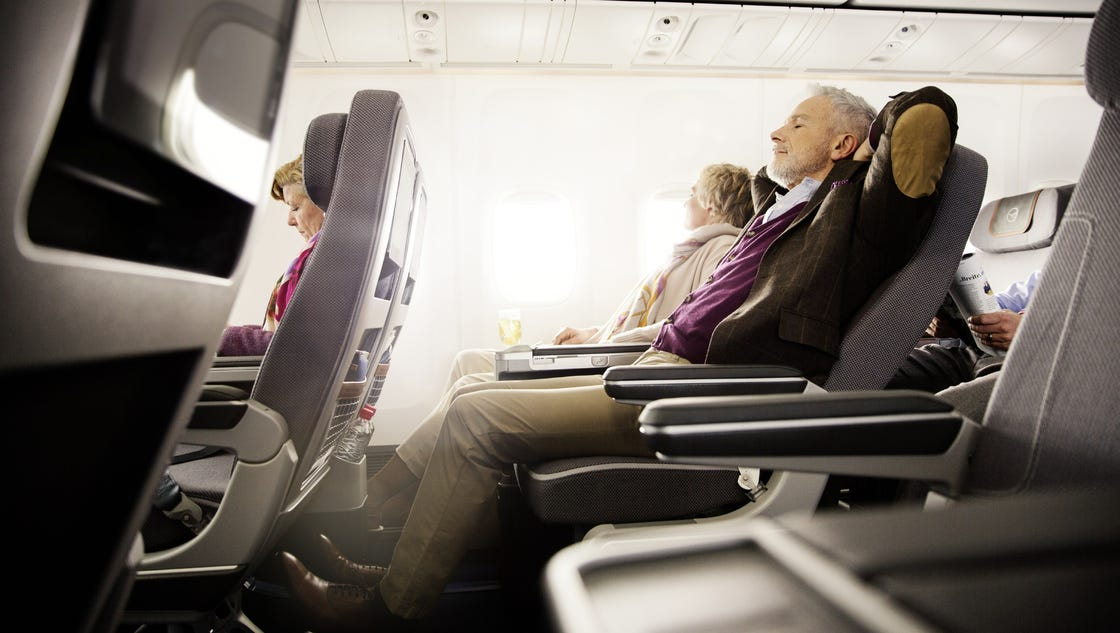 lufthansa flies first premium economy equipped a380. Black Bedroom Furniture Sets. Home Design Ideas