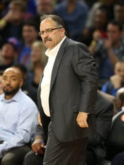 Pistons coach Stan Van Gundy watches action against