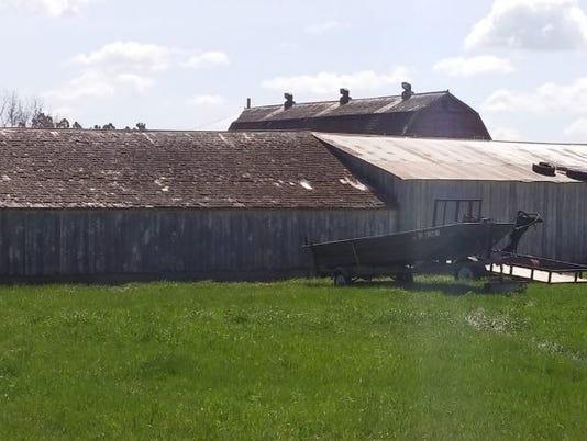 636005456806476207-barn.JPG