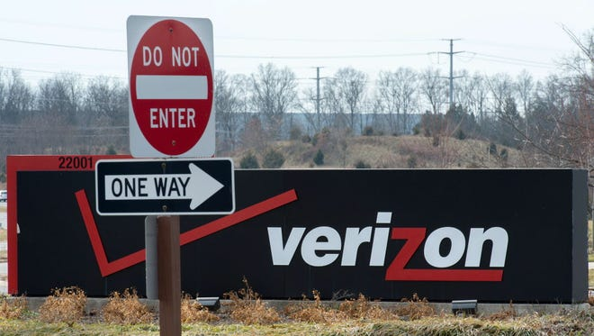 The Verizon logo is seen at the headquarters for Northern Virginia on January 2, 2015 in Ashburn, Virginia. Thousands of high-tech terminals offering free Wi-Fi and other services will soon replace New York's remaining fleet of seldom-used pay phones, the city mayor said last November. AFP Photo/PAUL J. RICHARDSPAUL J. RICHARDS/AFP/Getty Images ORG XMIT: - ORIG FILE ID: 536457447