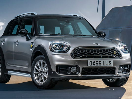 636403826161213871-2017-MINI-Countryman-crossover.jpg