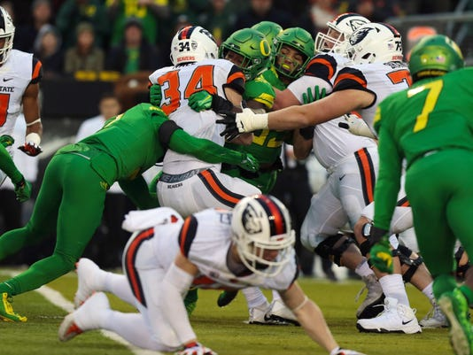 NCAA Football: Oregon State at Oregon