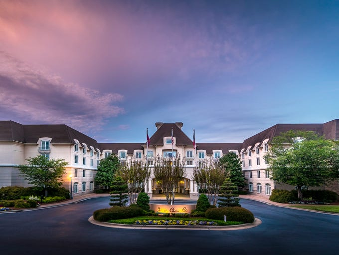 Need a getaway in the Atlanta area? Reserve a quiet stay at the Country Inn & Suites ® by Radisson, Braselton, GA, located just off I about an hour north of the city. Enjoy a great value on spacious hotel rooms and suites near Château Élan's beautiful winery and golf club, both located within five .