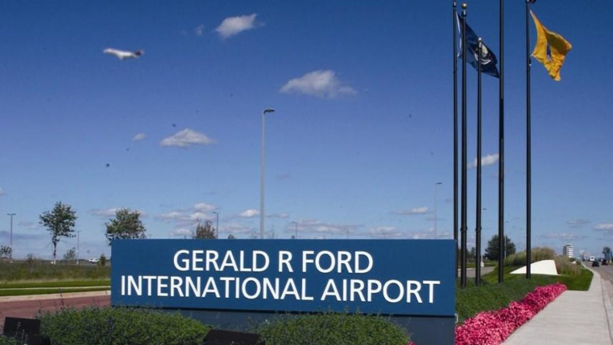 Officials: Travel numbers rising at western Michigan airport 1