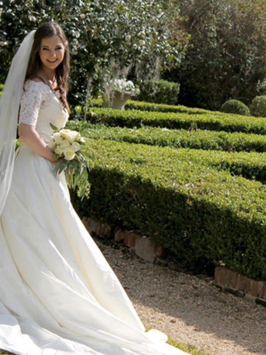 Weddings: Gabrielle Pontiff & Matthew Meche