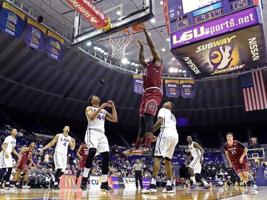 636216659246458752-South-Carolina-LSU-Basketball-2-.jpg