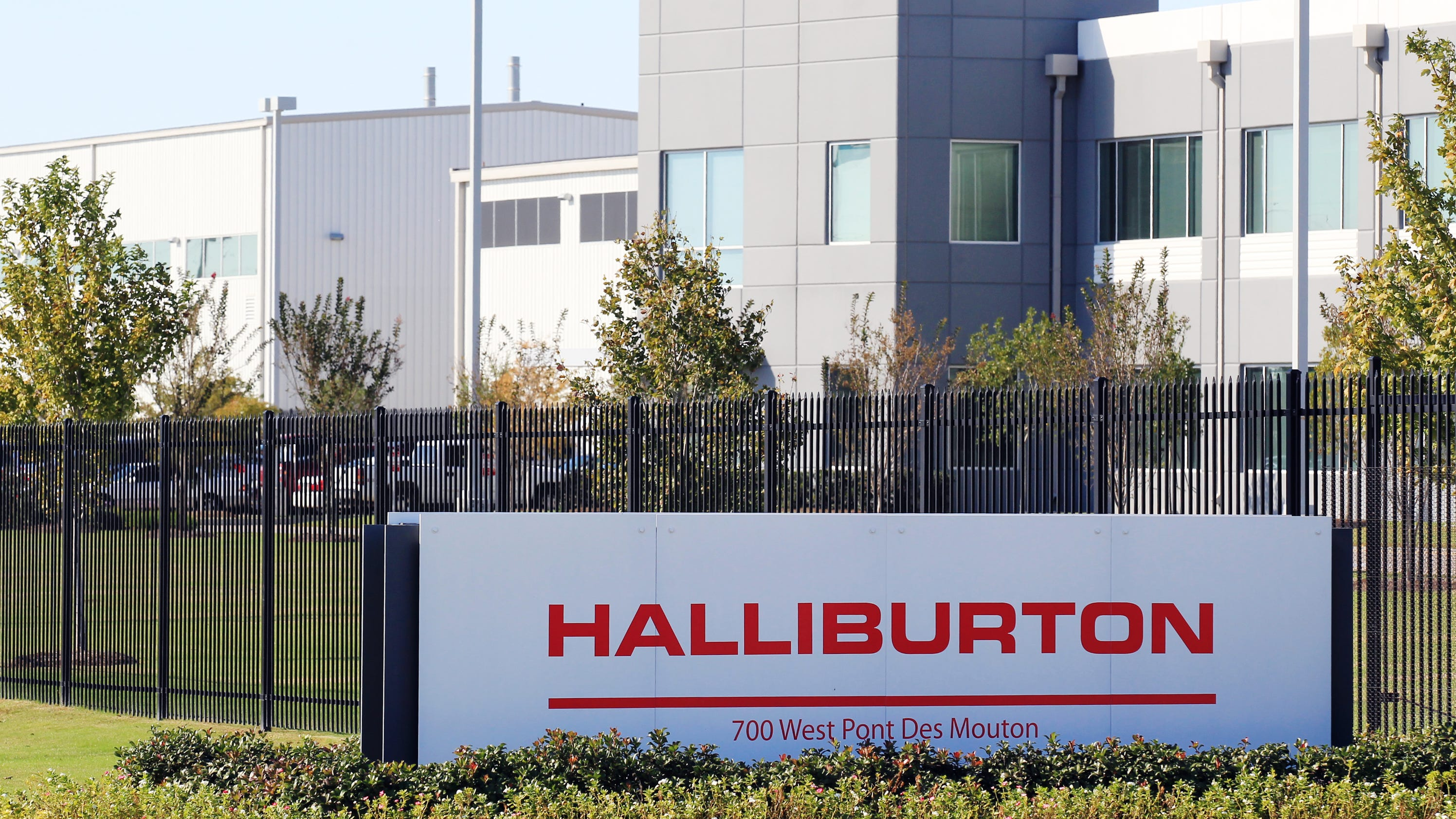 halliburton confirms 39 minimal 39 layoffs in lafayette. Black Bedroom Furniture Sets. Home Design Ideas