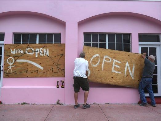 Ante la llegada de Matthew, un poderoso huracán categoría