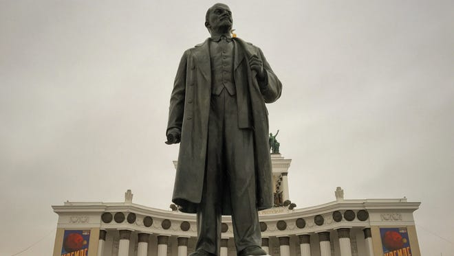 A statue of Lenin in Moscow on Nov. 18.