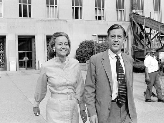 Katharine Graham, left, publisher of The Washington Post, and Ben Bradlee, executive editor of The Washington Post, leave U.S. District Court in Washington, D.C., on June 21, 1971.  The newspaper got the go-ahead to print Pentagon papers on Vietnam.  Later however, the U.S. Court of Appeals extended for one more day a ban against publishing the secret documents.  (AP Photo) ORG XMIT: APHS125 [Via MerlinFTP Drop]