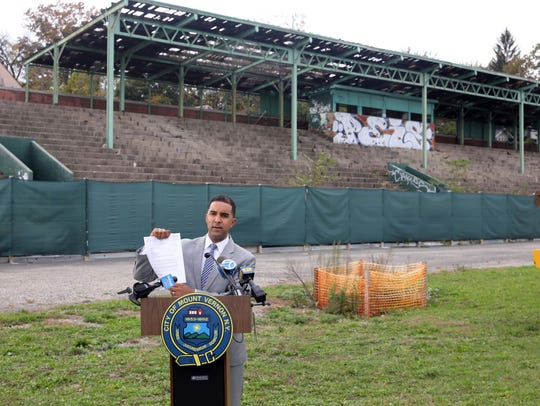 Mount Vernon Mayor Richard Thomas speaks during a press