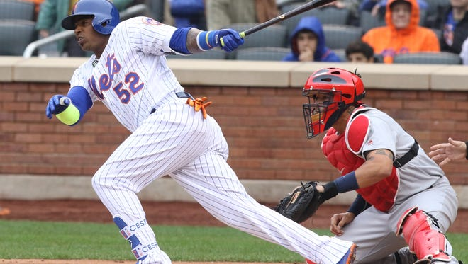 Yoenis Cespedes knocks in two runs with this single in the second inning for the Mets.