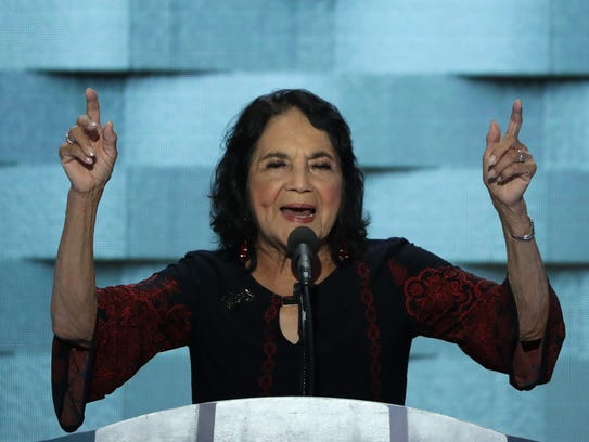 Dolores Huerta sigue aún muy activa en la política,
