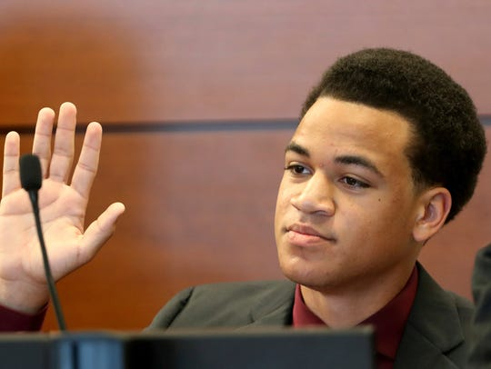 Zachary Cruz testifies during his hearing at the Broward