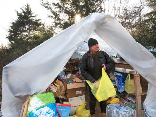636193149225384203-homeless170105c.jpg