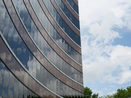 """Highwoods Properties, the real estate investment trust that owns the Crescent Center, has plans tot leave Memphis in favor of """"dynamic"""" Charlotte, North Carolina."""