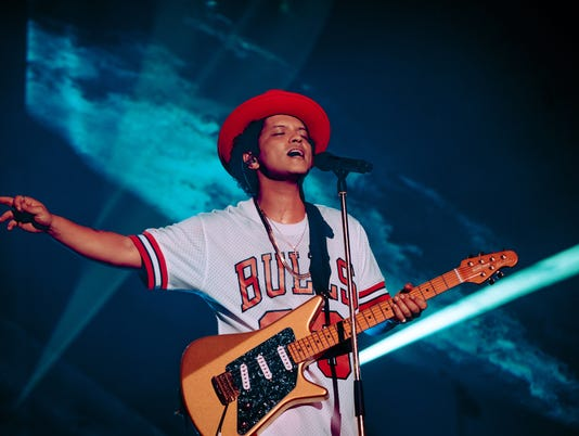 636689964202539788-Friday---Bruno-Mars-by-Florent-Dechard-10.jpg?width=534&height=401&fit=crop