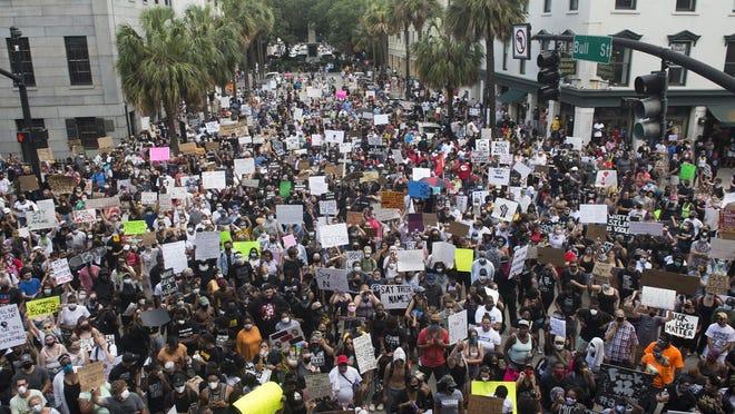Protesters at Savannah's City Hall
