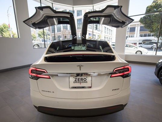 Tesla 39 S Model X Not Everything Elon Musk Touches Is Gold