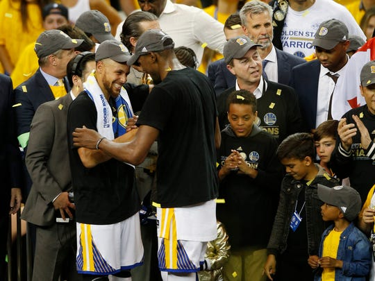 Stephen Curry had no problem ceding the stage to Kevin