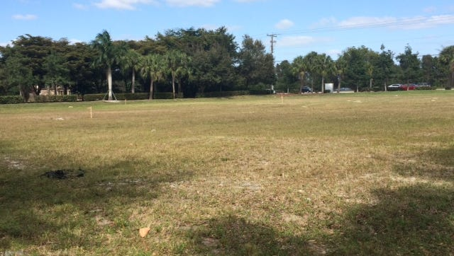 A site of just over an acre on U.S 41 just south of Pelican Sound Drive would become a plaza where a fast food restaurant could open, but without a drive-through.