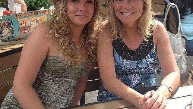 Teri Algeo (right) with her daughter Katrina, who died at age 22 in 2015.