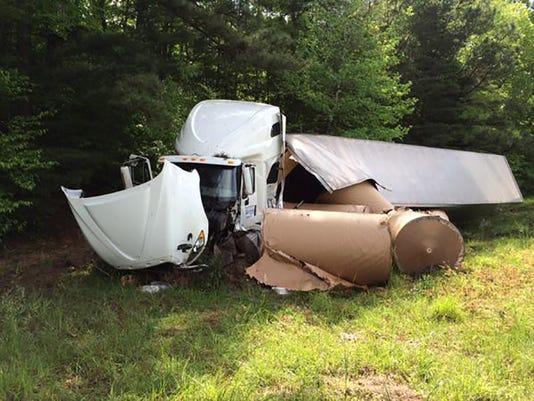 635652110316376756-18-wheeler-accident