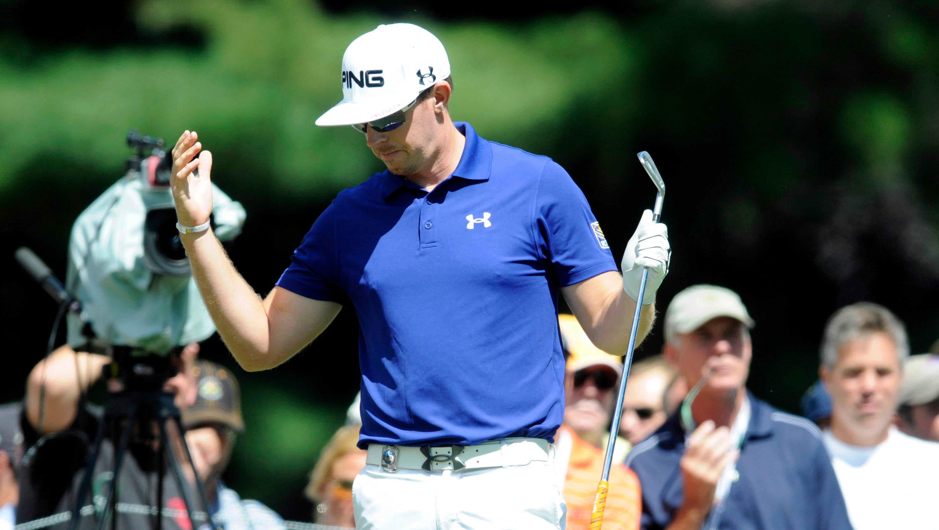 Hunter Mahan is unhappy with his tee shot on No. 6.