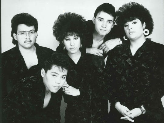 Selena y Los Dinos, publicity photo received 1987.