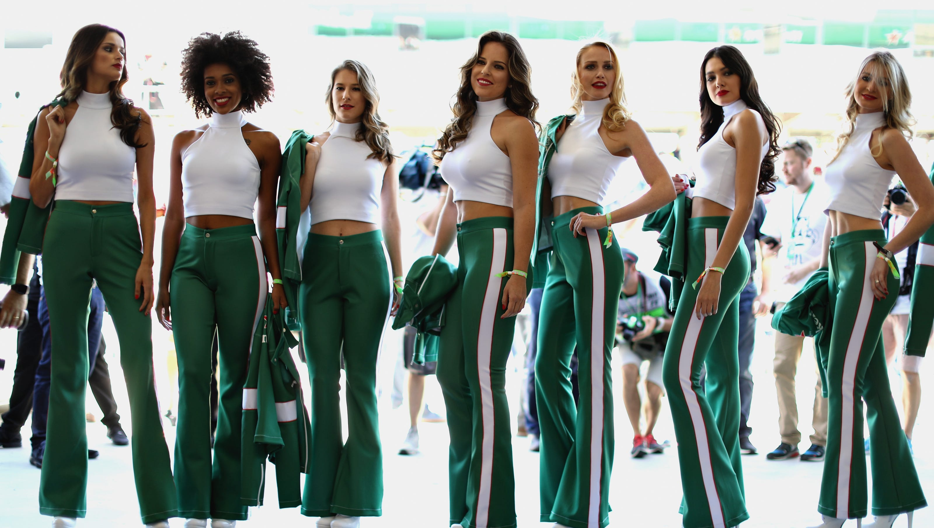 Russia Aims To Bring Back Grid Girls To Formula One