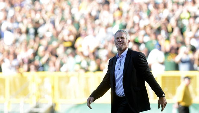 Ticket demand is high for the Bears-Packers Thanksgiving Day game, which will include a halftime ceremony honoring Brett Favre.