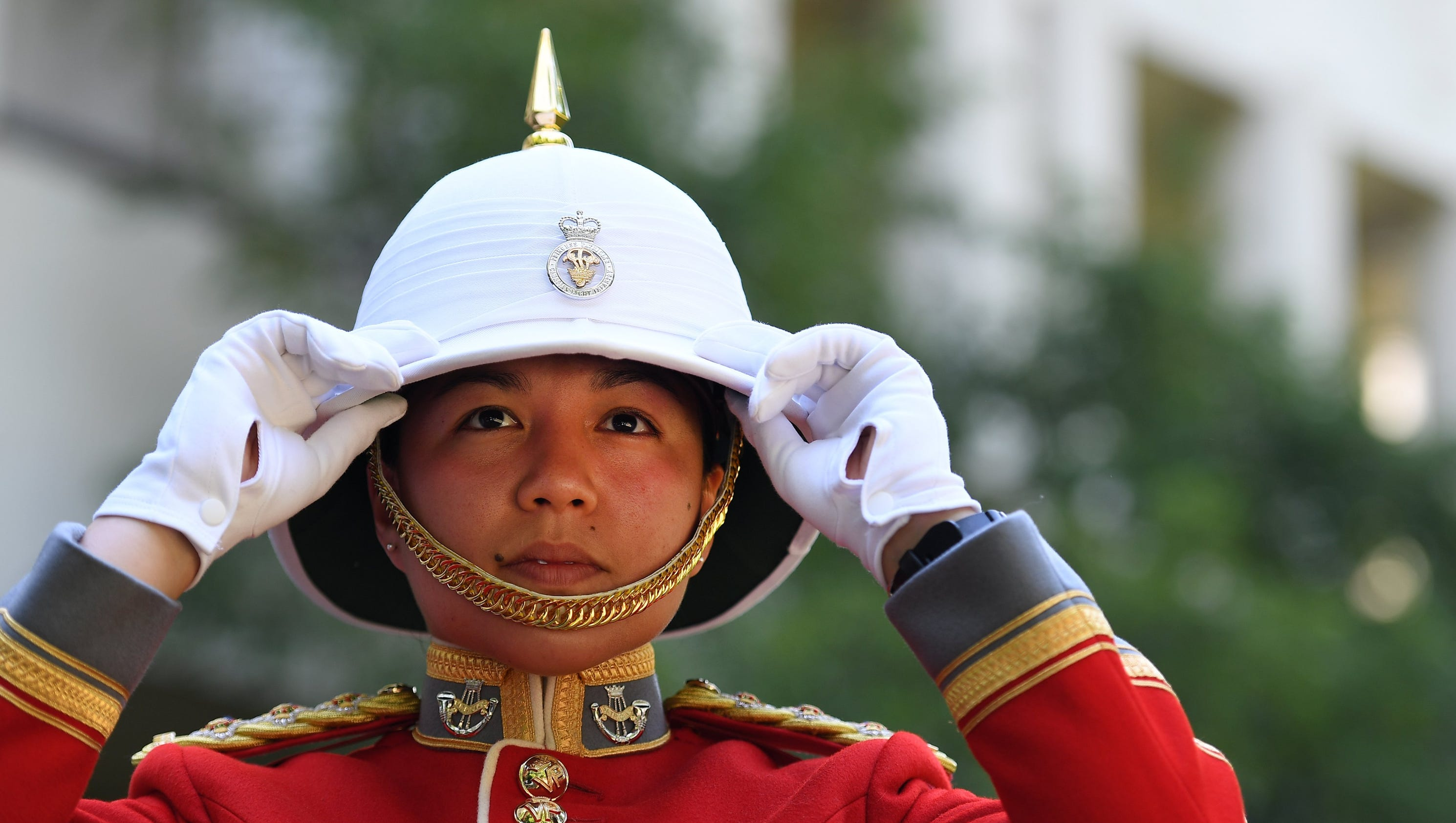 First woman leads Britain's Changing of the Guard ceremony