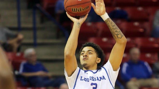 Louisiana Tech's Jalen Harris scored 21 points to lead the Bulldogs past Florida Atlantic on Thursday.