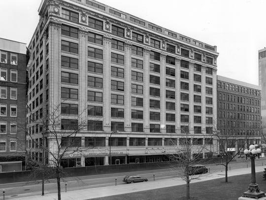 Hume-Mansur Building located at 15-31 E. Ohio   St.