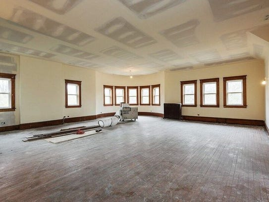 The Oscar Mayer mansion has a very spacious interior.